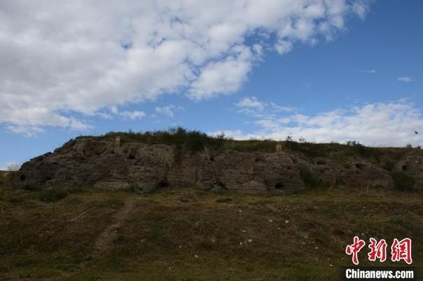 Путешествие по руинам бывшей столицы Юаньской династии. Руины города Шанду Юаньской династии находятся в корпусе «Синего знамени» аймака Шилин-Гол Внутренней Монголии Китая. В заповедник входит