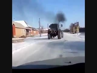 Дрифт на тракторе МТЗ