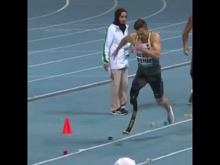 Паралимпийский спортсмен Маркус Рем прыгнул в длину на 8,17 метра