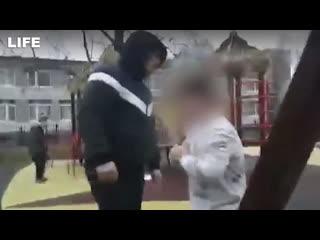 Отец вмешался в драку между детьми и сломал мальчику руку