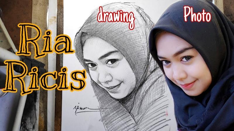 Menggambar RIA RICIS pakai satu pensil