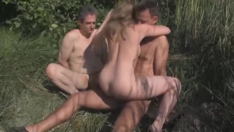 Порно Жена Изменяет Мужу На Природе