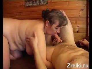 Пышную зрелую деревенскую мамашу доярку жестко трахает молодой Mature Teen porno
