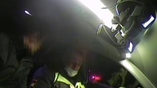 В Оренбурге мужчина пытался взятку сотруднику ГИБДД