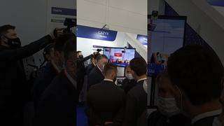 Президент Татарстана у стенда автора лучшей программы лояльности для BEAUTY-бизнеса и бизнеса услуг