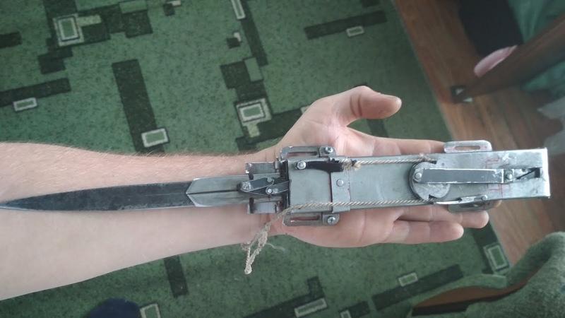 Работа прототипа hidden blade Heks mechanics