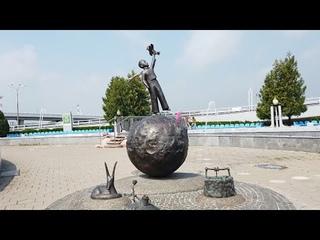 Национальный аэропорт Минск / Привокзальная площадь – арт-объекты, фонтаны, Маленький принц | 4K