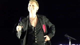 Depeche Mode - Strangelove - Martin L Gore - Hannover  - Front of Stage - HD