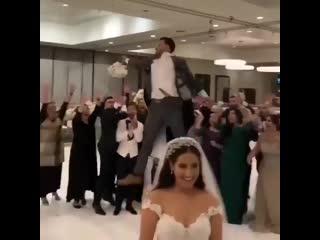 Когда совсем не хочется жениться.