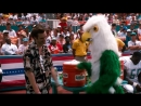 Драка с попугаем-талисманом — Эйс Вентура Розыск домашних животных
