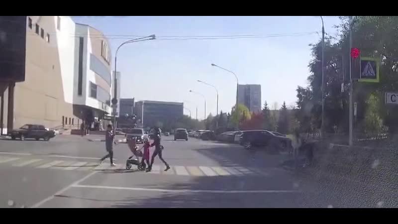 Я на лексусе я вертел ваш красный светофор Водитель из Новокузнецка