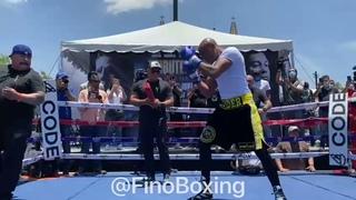 WOW! ANDERSON SILVA (UFC STAR) ENSEÑA SU VELOCIDAD & PODER PARA NOQUAR A JULIO CÉSAR CHÁVEZ JR