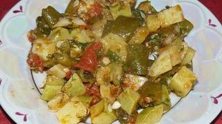 Летнее овощное рагу. Кабачки, патиссон и стручковая фасоль. Ммм... вкуснятина.