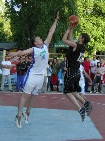 Фотки с нами  баскетболистами