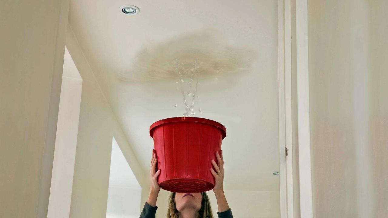 что делать если затопило квартиру с крыши