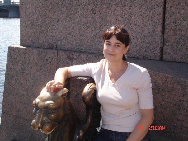 Мэр тихвина виктор петров фото украинская знаменитость