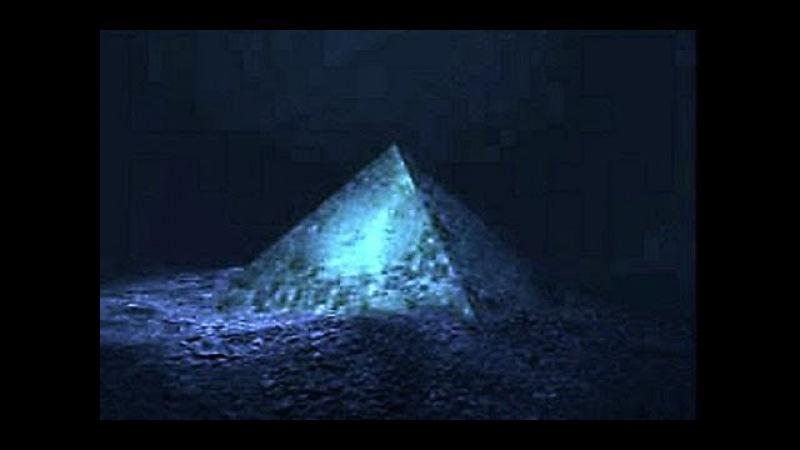 Две стеклянные пирамиды появились на глубине 600 м Тайна Бермудского треугольника