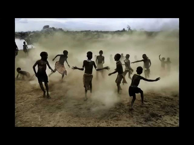 ArtFido fetching art 10 Composition Tips with Award Winning Photographer Steve McCurry