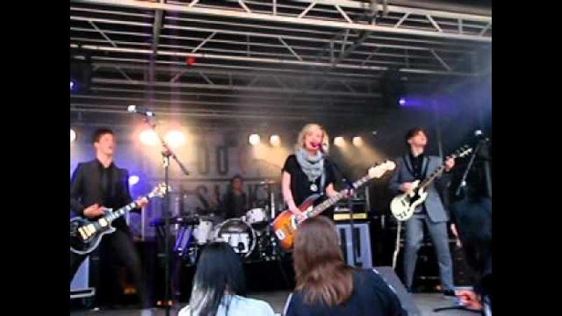 Haloo Helsinki! - Hyvää Matkaa Kaaos Ei Karkaa @ Eurooppa-päivä tapahtuma, 9.5.2011