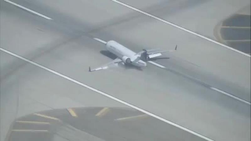 Skywest CRJ 200 посадка без левой стойки шасси