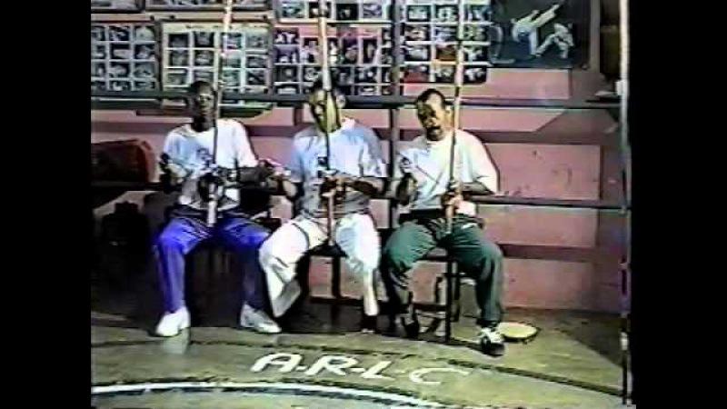 Capoeira Mestre Gato Preto Doirado da Bahia Visita Mestres Cleber e Rui 2001 Mestre Tião 02