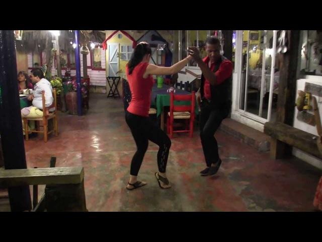 Rodolfo Montaño and Dasha La Guajira Elizarova dancing bachata dominicana
