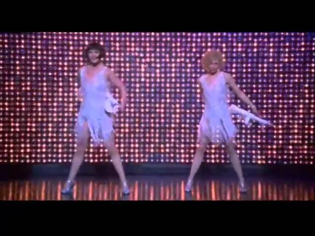 Nowadays (Roxie Velma) - Chicago (LETRA ESPAÑOL)
