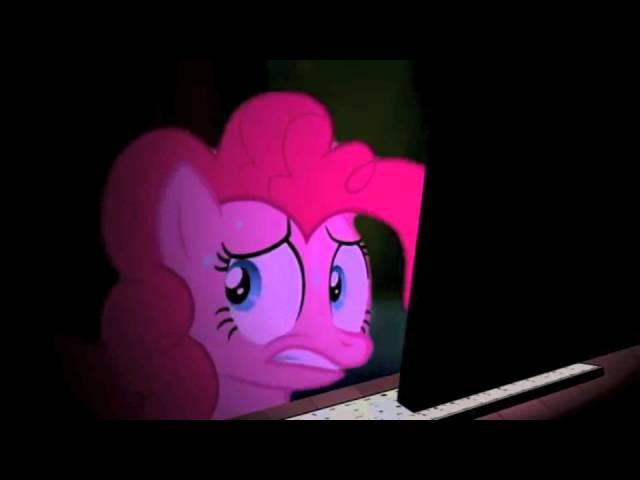 Pinkie Pie watches Cupcakes