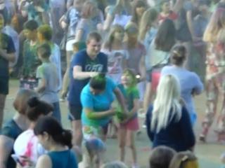 Фестиваль красок в Острове
