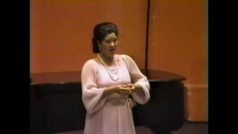 Elly Ameling live sings Fauré's Après un rêve