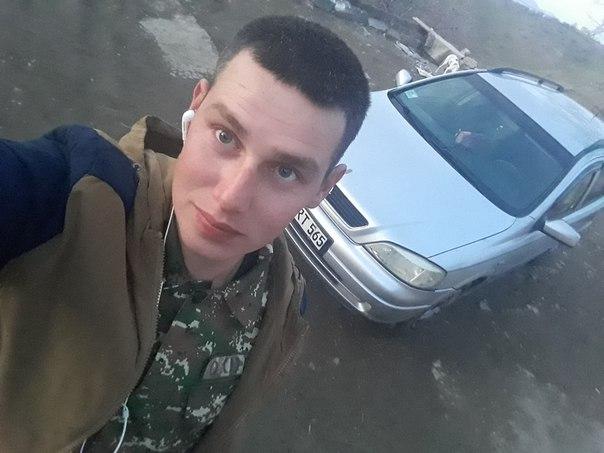 Artem, 21, Noyemberyan