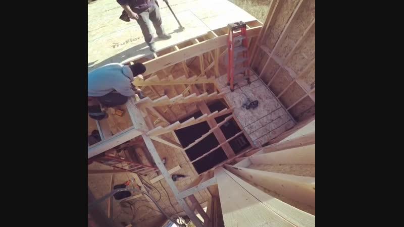 Строительство лестницы в каркасном доме