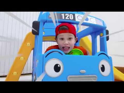 Макс и Катя play with Surprise Eggs and open toys Мистер Макс и Мисс Кэти Новые Серии 2019 года