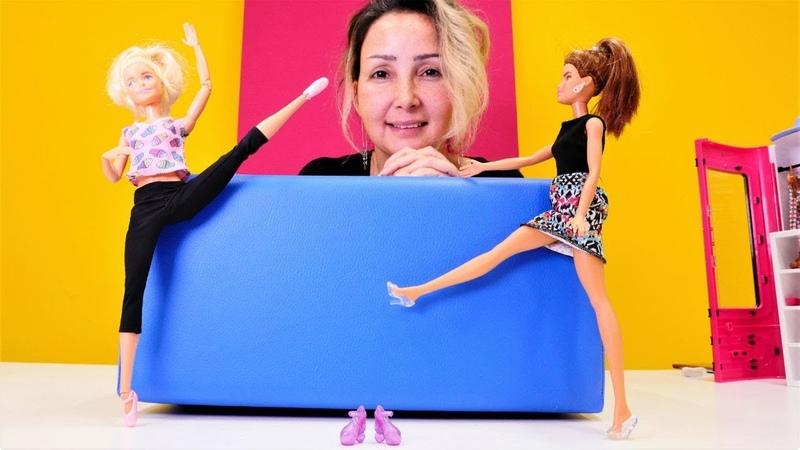 Özge'nin mağazası. Barbie bale ayakkabısı alıyor