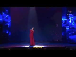 Maite Perroni canta Brillaras en los #PremiosTVyNovelas
