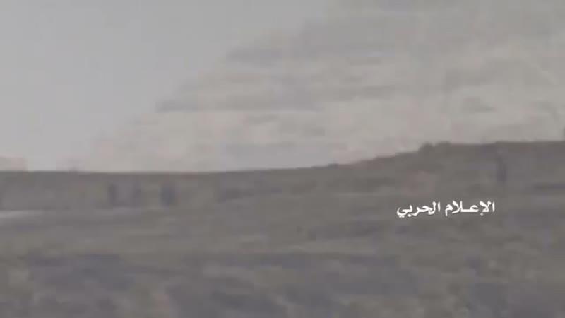 Атака хуситов на лагерь хадистов в районе Муджаза Саада