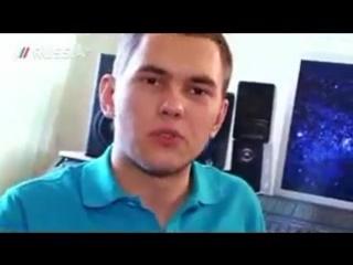 DJ Леонид Руденко приглашает зрителей к себе домой.