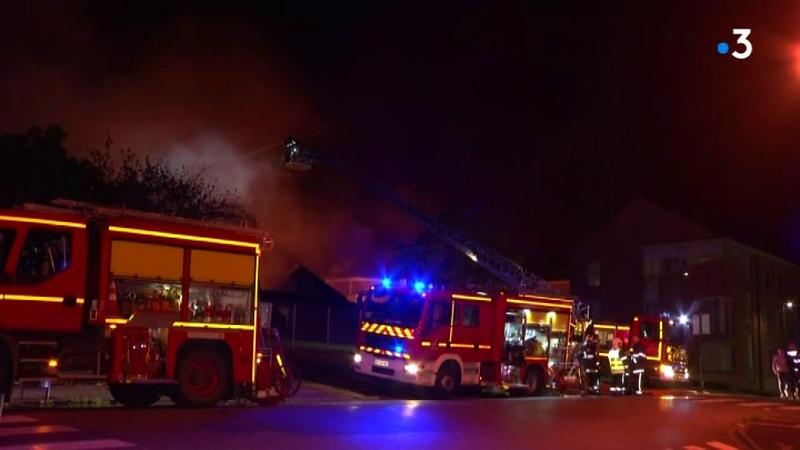 Jeumont lécole Sainte-Bernadette a pris feu, les images de cette nuit