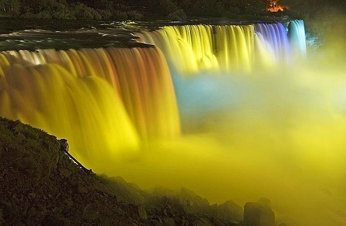 Световое шоу Ниагарского водопада, изображение №5
