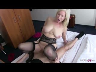 German mother seduce the young boy next room fuck in hotel немецкая мама соблазнила сына и трахнулась в отеле инцест