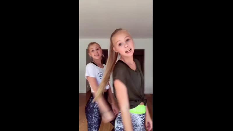 Iza and Elle 959vid