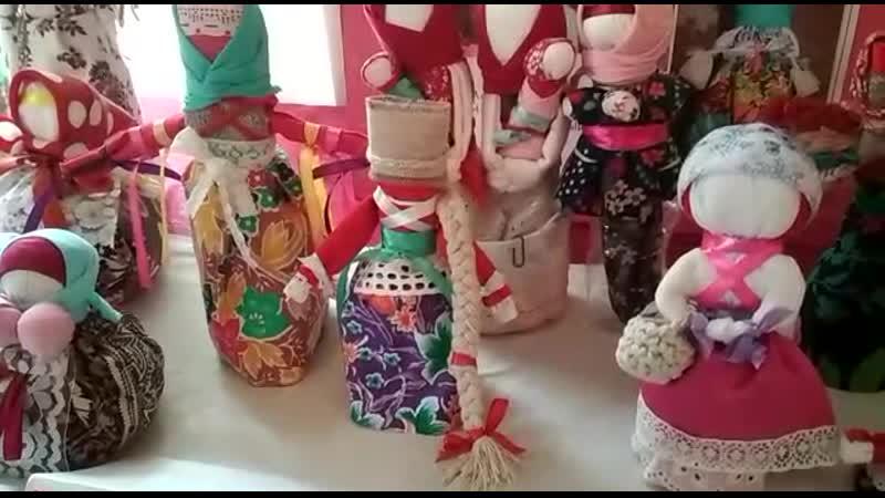 Онлайн выставка из цикла декоративно прикладного искусства Феномен русской традиционной куклы Умнее всех глаза детей они