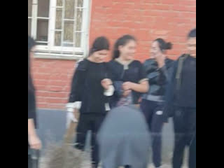 В Хасавюрте мэр привлёк студентов к уборке города