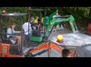 Мини экскаваторы Hitachi новые аттракционы для детей в немецком парке развлечений Ravensburger Spieleland