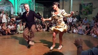 Lindy Hop, improvisaci. Nils Andren i Bianca Locatelli ballant Jive at Five. 2019