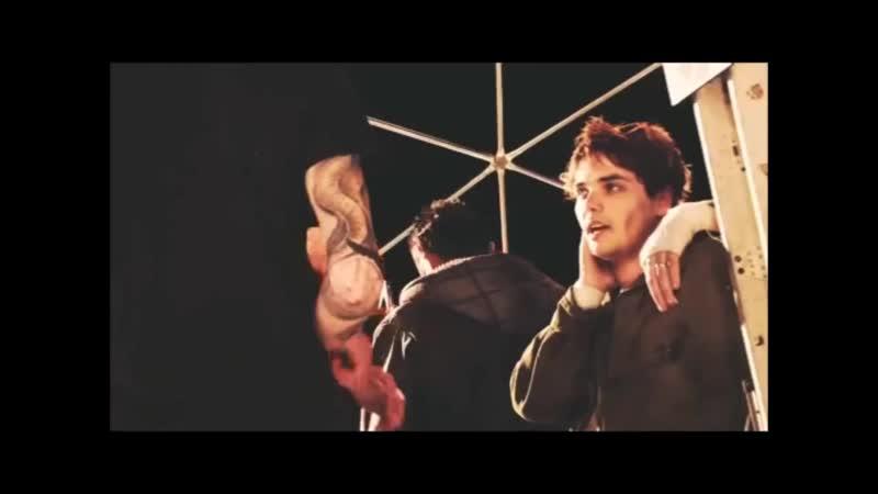 Gerard Way is a sexy bitch