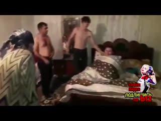 Измена. в азербайджане муж застал жену за изменой в постели с любовником