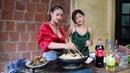 2 Em Gái Nóng Bỏng 💘 Nấu Món Ếch Xào Măng Cay Hot Girl Ẩm Thực