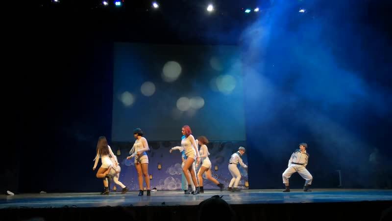 629 Танец-кавер Chung Ha: Snapping — Great Michin and C.O. — Москва