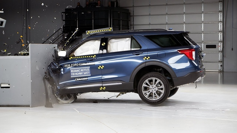 2020 Ford Explorer driver side small overlap IIHS crash test